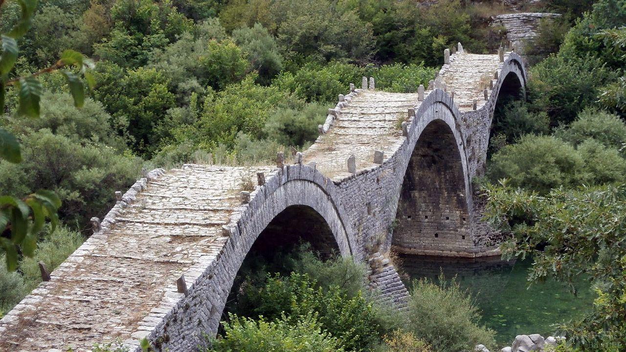 Греческий Мост плакидаса (монаха) 18 века