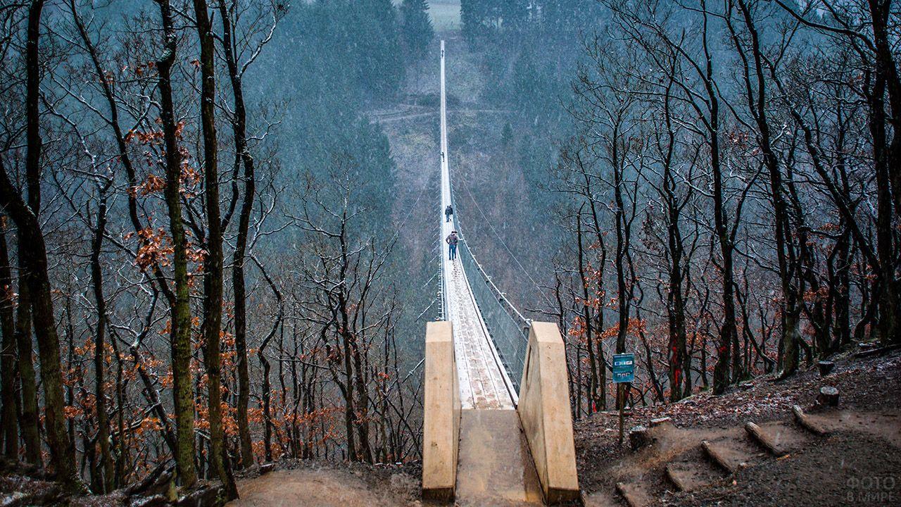 Самый длинный подвесной мост Коршунов утёс в Германии