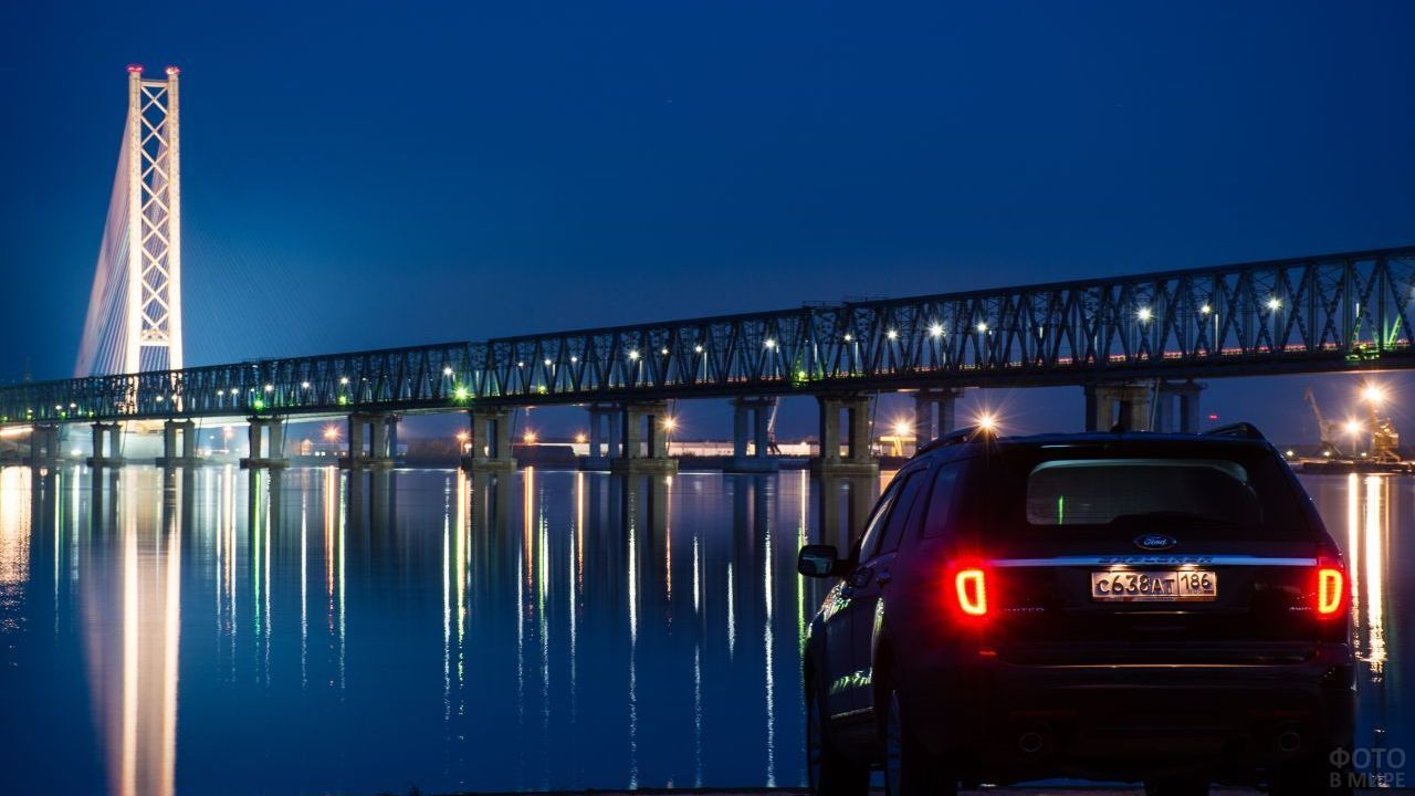 Сургутский мост ночью