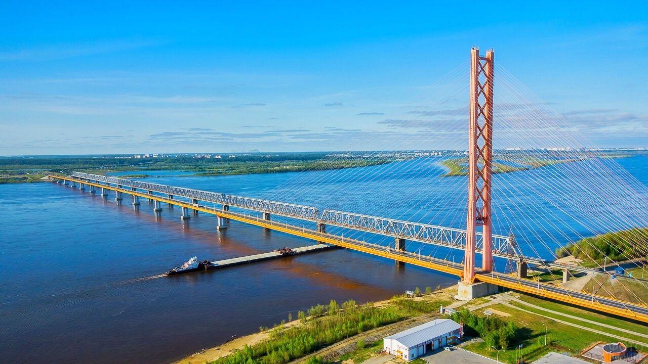Сургутский вантовый мост через Обь
