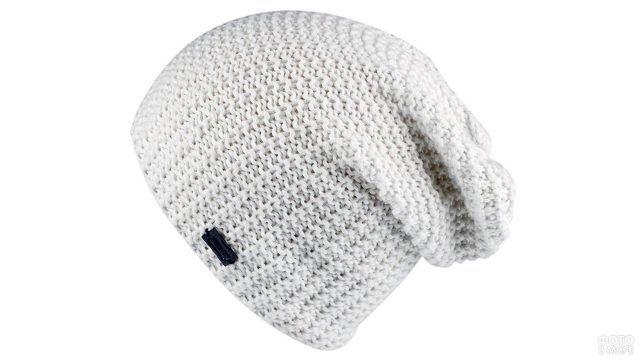 Белоснежная вязная шапка-колпак