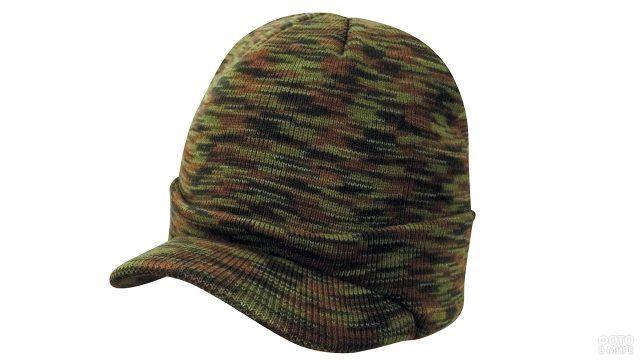 Комуфляжная шапка-бини с козырьком