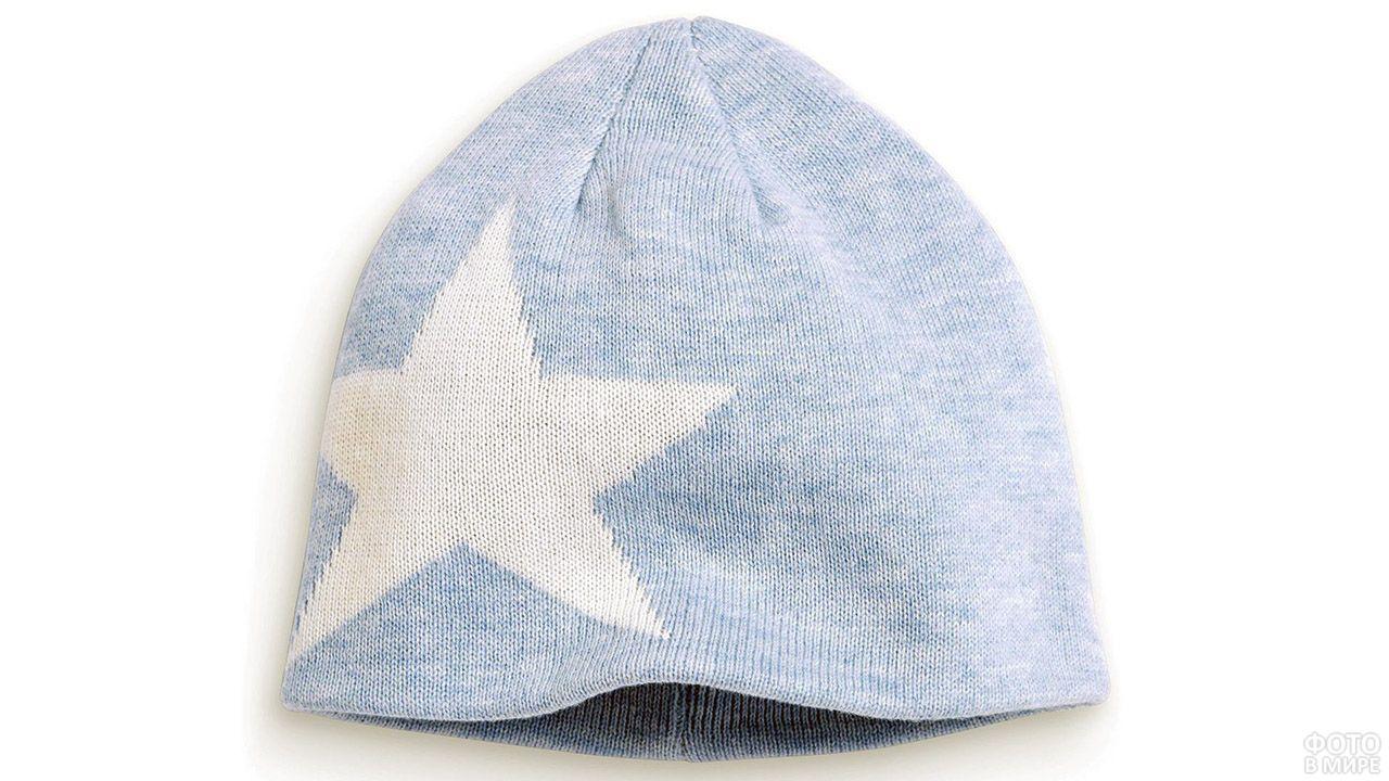 Стильная голубая шапка-бини с белой звездой