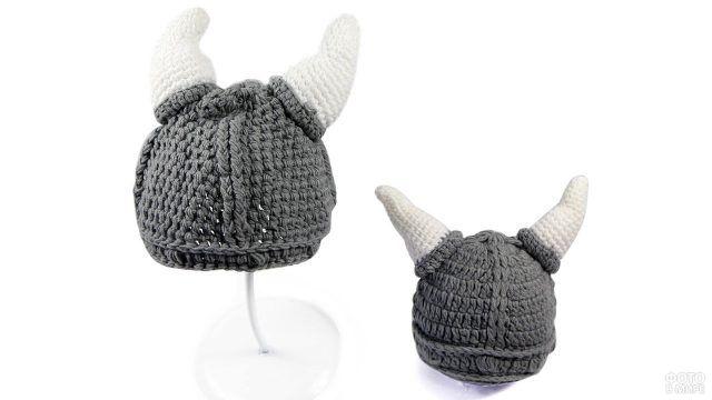 Вязаный шлем викинга для малышей домашней вязки