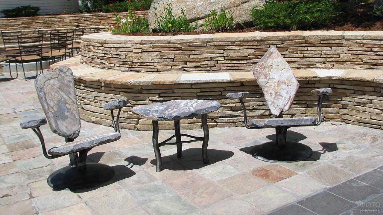 Мебель для сада из камня