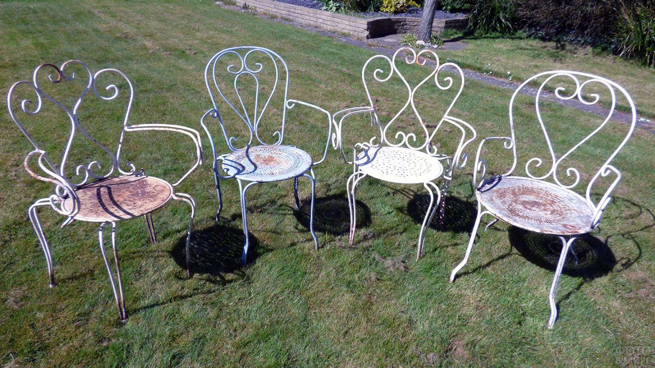 Винтажные венские стулья для сада