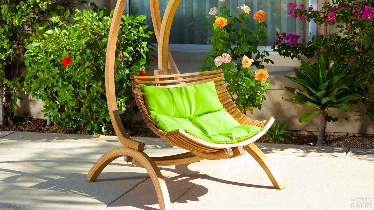 Декоративное кресло-качели для одного