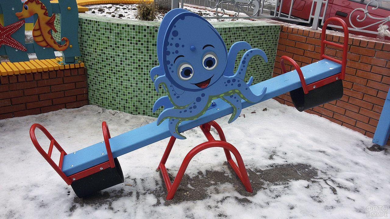 Качели-балансир с осминожком для детских площадок