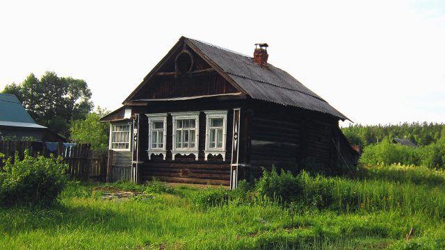 Деревенский дом с застеклённой верандой