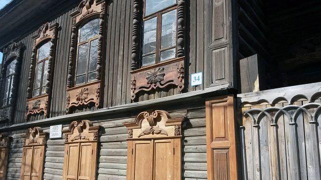 Фрагмент фасада старинного дома в Тюмени