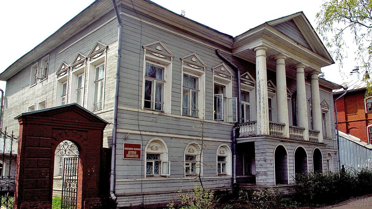 Ремонт дома с колоннами Юшина в Вологде