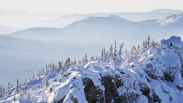 Зимний лес в горах Южного Урала