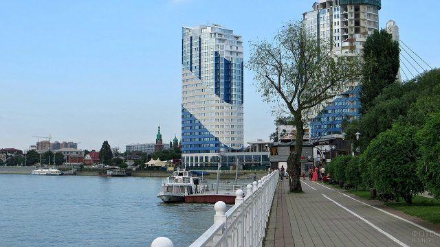 Многоквартирный жилой комплекс на набережной реки Кубань в Краснодаре