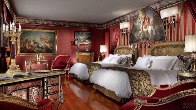 Интерьер спальни в старинном стиле