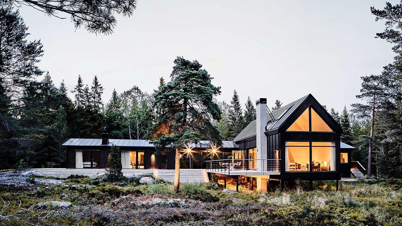 Чёрный летний дом в Стокгольмском архипелаге