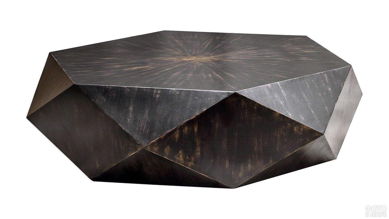 Деревянный столик с шестигранной столешницей и низкополигональными боковинами