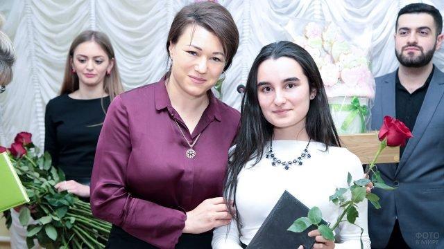 Директор Пятигорского колледжа поздравляет студентку в Татьянин день