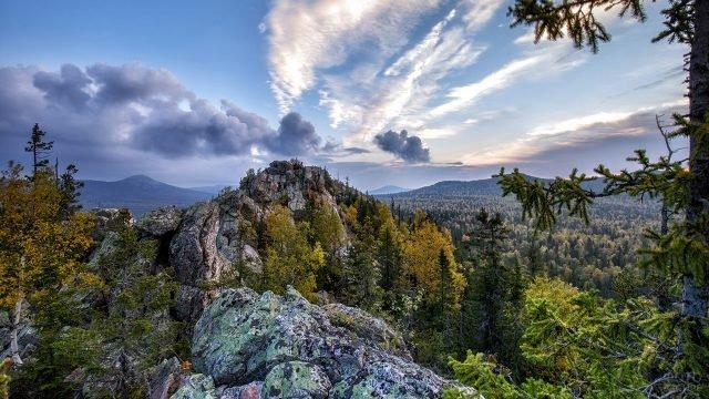 Красивый вид на хребет Большой Таганай