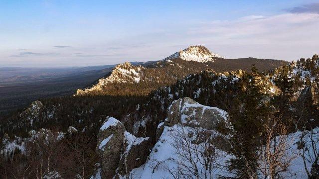 Заснеженный хребет Большой Таганай
