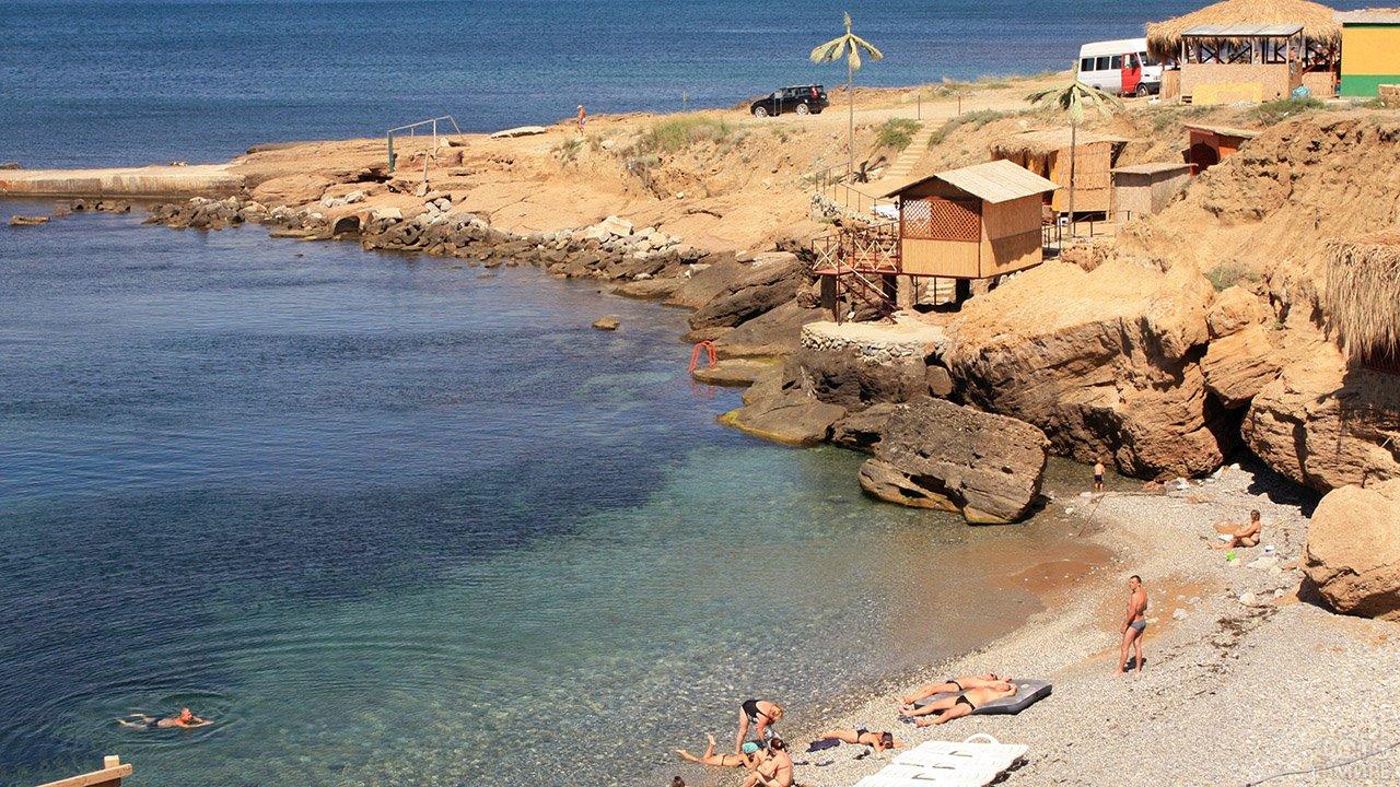 Дикий загородный пляж Судака