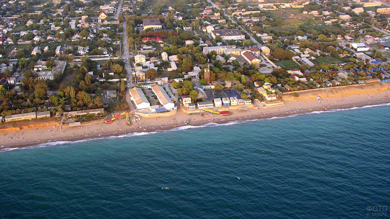 Крымский курорт Николаевка с высоты птичьего полёта