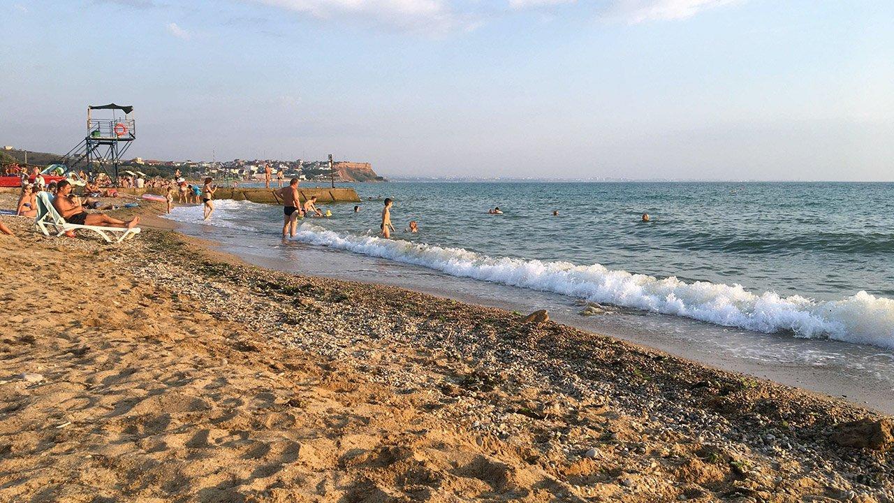 Пляж Орловка в пригороде Севастополя