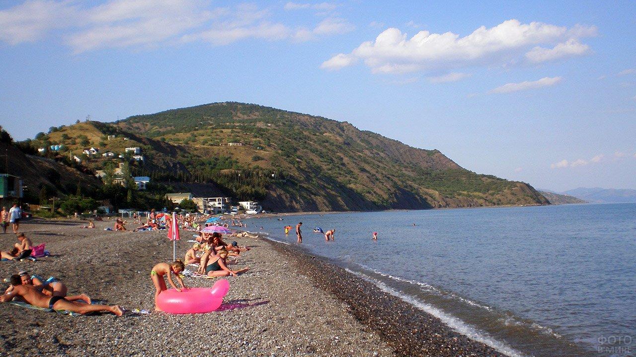 туристов россии пляжи поселок рыбачье фото стёклах, багажнике или