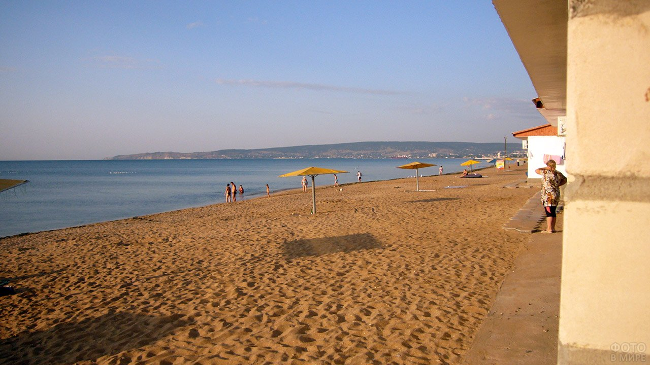 Золотой пляж 2 в Феодосии
