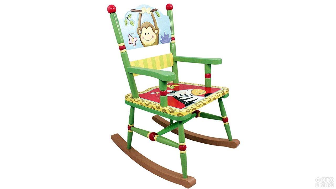 Детский деревянный стульчик-качалка с нарисованными зверями
