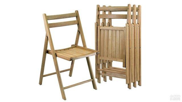 Набор складных деревянных стульев для сада