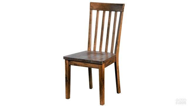 Простой деревянный стул