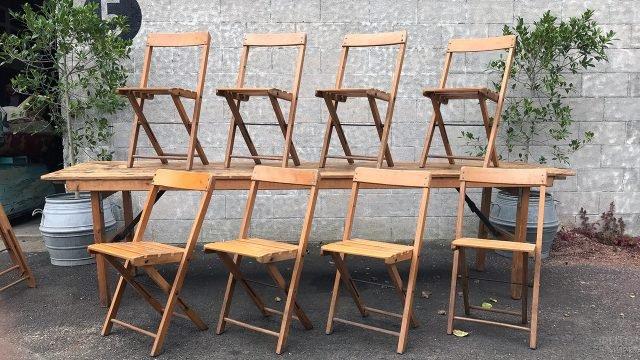 Складные деревянные стулья для сада