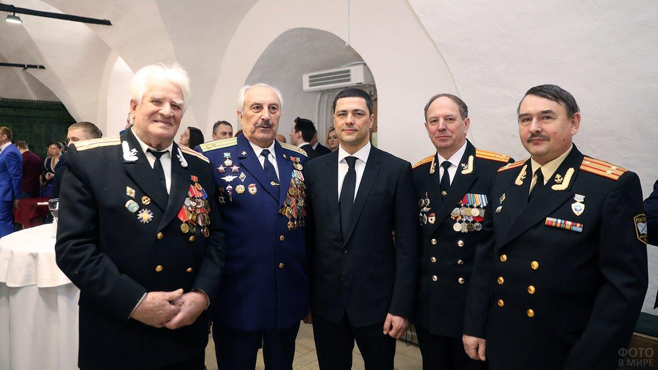 Офицеры на губернаторском приёме в Пскове в честь 23 февраля