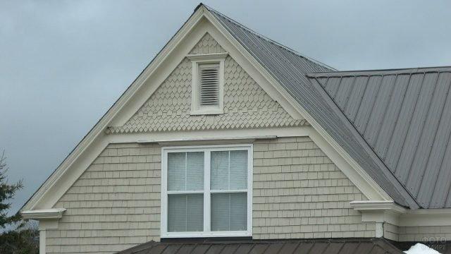 Фронтон со вентиляционным окном