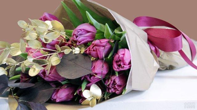 Дизайнерский декорированный букет тюльпанов к 8 марта