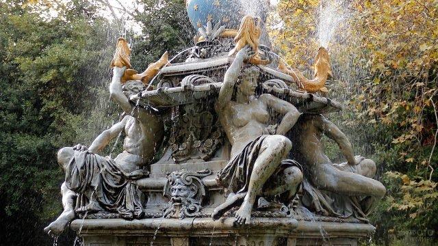 Фрагмент фонтана на вилле Нюкта в крымском Симеизе