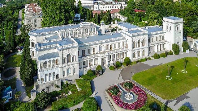 Ливадийский дворец-музей в Ялте