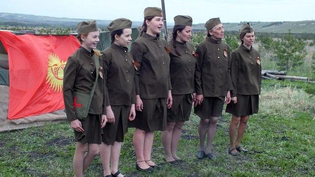 Девушки в форме великой отечественной войны