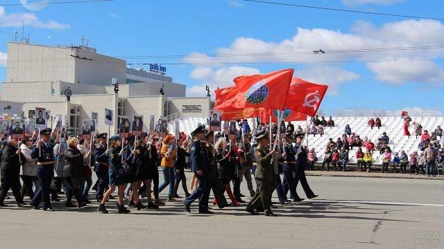 Народный Бессмертный полк с участием курсантов в Ижевске 9 мая