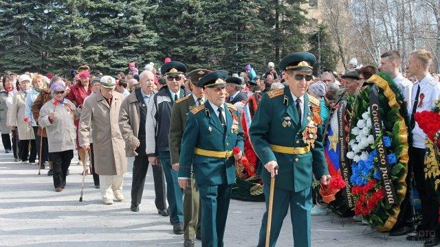 Шествие ветеранов ВОВ на параде Победы в Челябинске