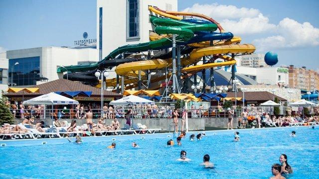 Аквапарк под открытым небом в Казани