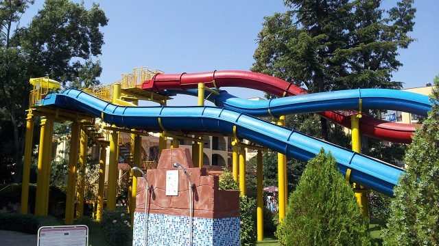 Мини-аквапарк в болгарском парке отдыха
