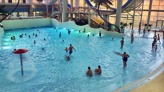 Московский аквапарк с искусственной волной