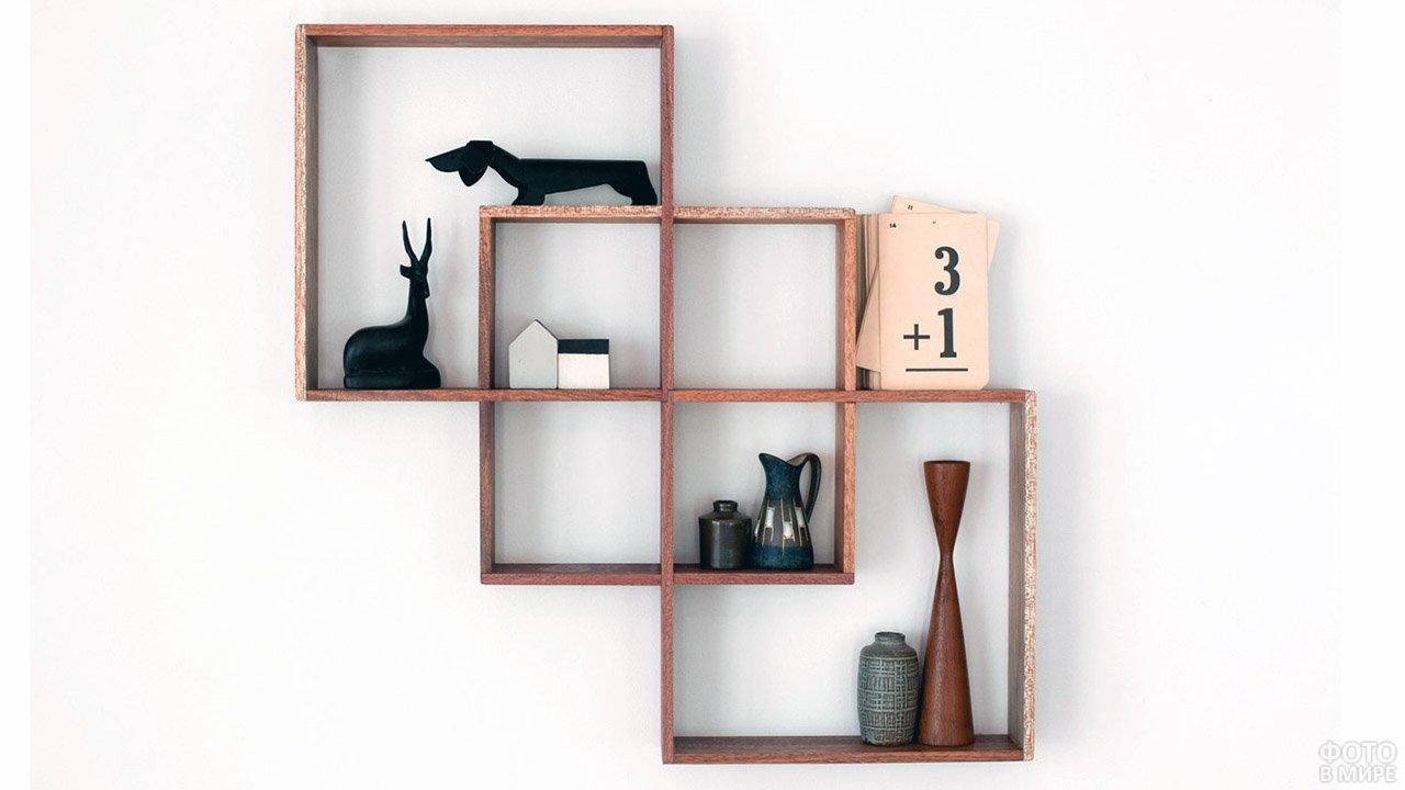 Оригинальные деревянные полки для кабинета