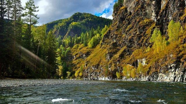 Горная река Саяны