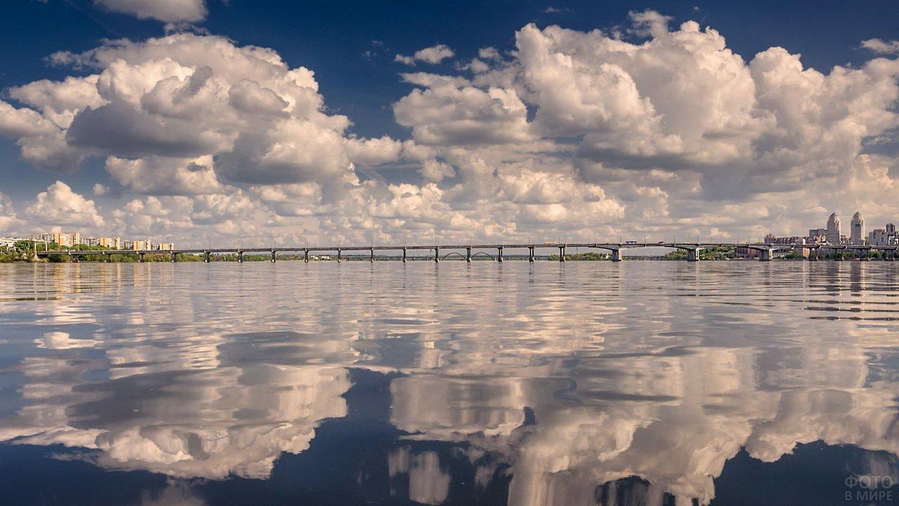 Ширина реки Днепр, мост