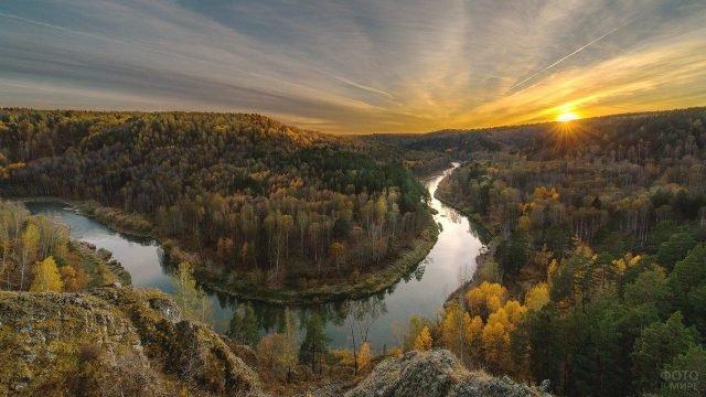 Сибирская река на закате