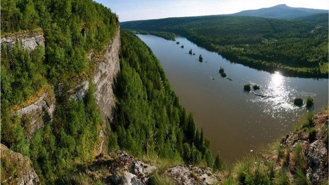 Скала Ветлан на реке Вишера