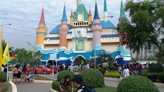 Развлекательный парк Сиам Сити в Бангкоке