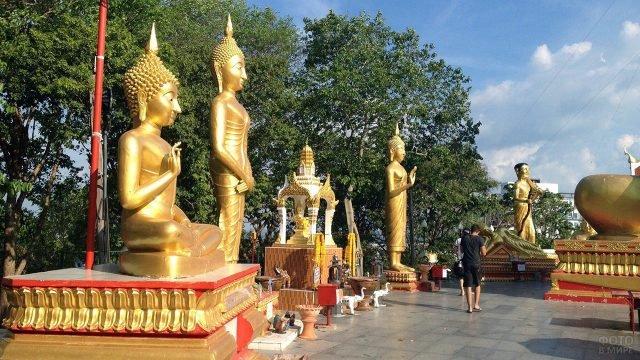 Статуи на холме Большого Будды в Паттайе